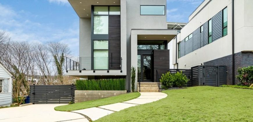 Une belle maison moderne avec cuisine américaine à Atlanta