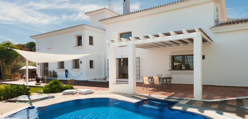 Belle maison dans une résidence boisée, 5 chambres, Malaga, Espagne