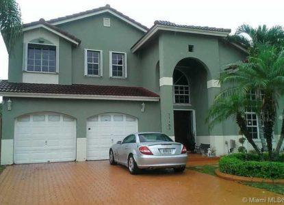 Jolie maison de 5 chambres, Miami, Floride, USA