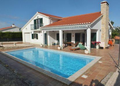 Investir dans une villa confortable à Faro, Portugal