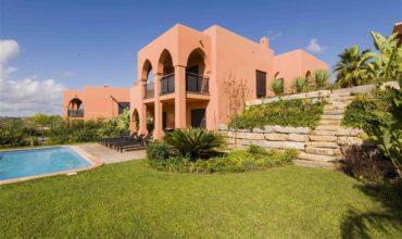 Belle villa à acquérir à Faro, Portugal