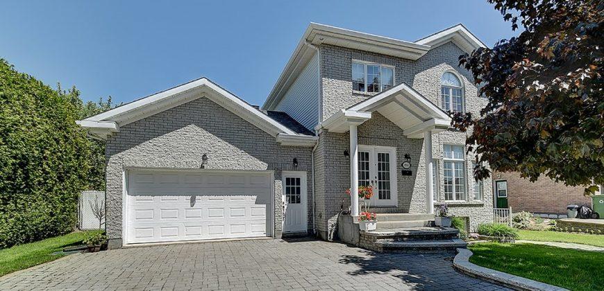 Maison à vendre à Montréal, 4 chambres, cheminée au bois ...