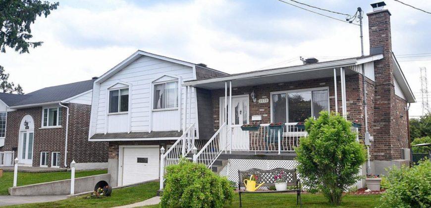 Maison à vendre à Montréal, 3 chambres, piscine | Realty Luxe