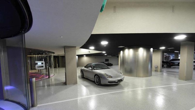 Quand la Porsche s'intègre à la décoration du salon