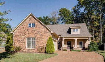 Maison classique avec piscine à Memphis, Tennessee, USA