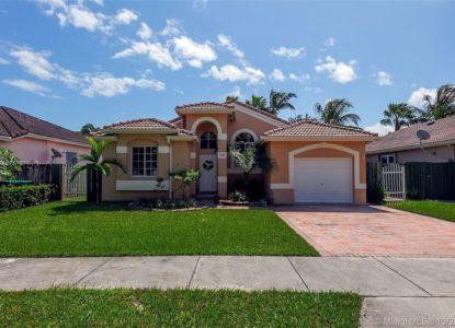 Belle villa classique et moderne à Miami, Floride, USA